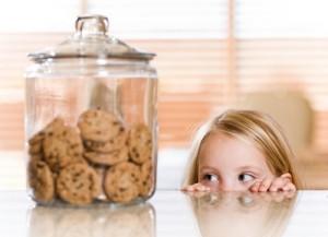 С какого возраста можно давать ребенку печенье